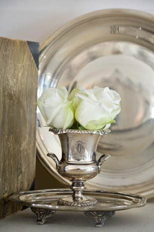 <3: Wedding Receptions, White Rose, Interiors Design, Sterling Silver, Display, Vignette, Vintage Silver Trays, Antiques Silver Decor, Flower
