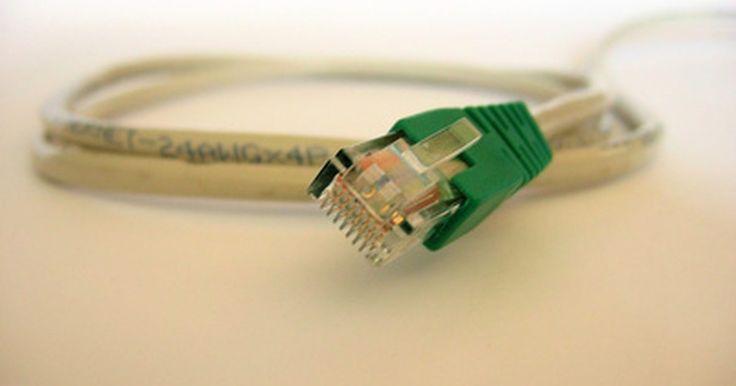 Cómo configurar un router Linksys inalámbrico WRT54G. El Linksys WRT54G es un router inalámbrico diseñado para usarlo en una oficina casera o en una pequeña red de negocios. El WRT54G te permitirá compartir una conexión de Internet de alta velocidad, utilizando un cable de red, con hasta cuatro computadoras; también puedes conectar dispositivos habilitados 802.11g y 802.11b al router, vía conexión ...