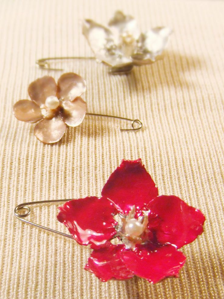making enamel flowers for necklaces or jewelry!
