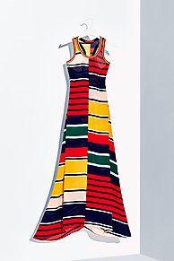 Shop de gestreepte zijden maxi-jurk en verken de Tommy Hilfiger jurken  collectie voor dames. Gratis retourneren & verzending vanaf €50. 8719254662361