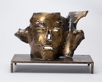 SKULPTUR, stengods, Hertha Hillfon egen studio. #bukowskis #bukowskismarket #design #scandinavia #ceramics #herthahillfon