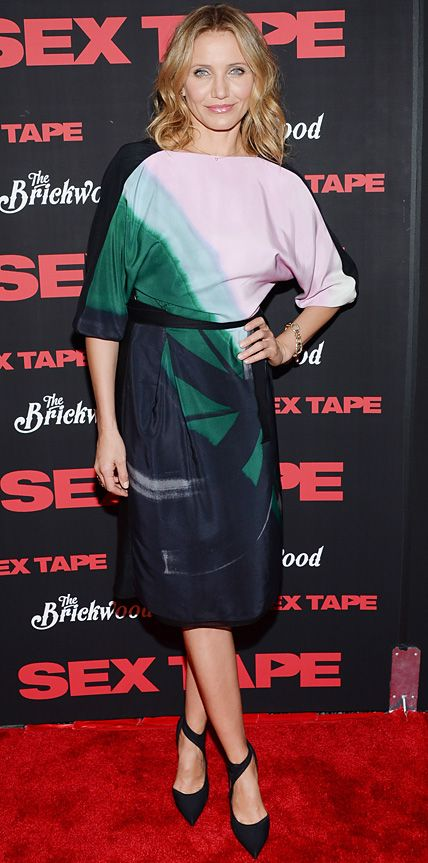 Cameron Diaz opted out of her usual body-hugging dresses and instead went with a tonal silk Vionnet wrap dress that she styled with Pomellato jewelry and black pumps.