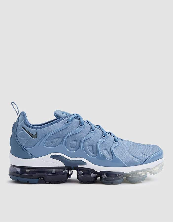 2ccd7598802 Nike   Air Vapormax Plus Sneaker in Work Blue in 2019