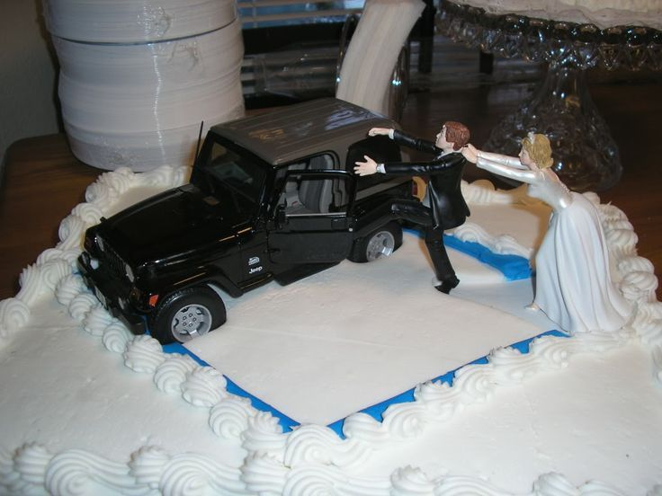 Jeep Wedding Cake