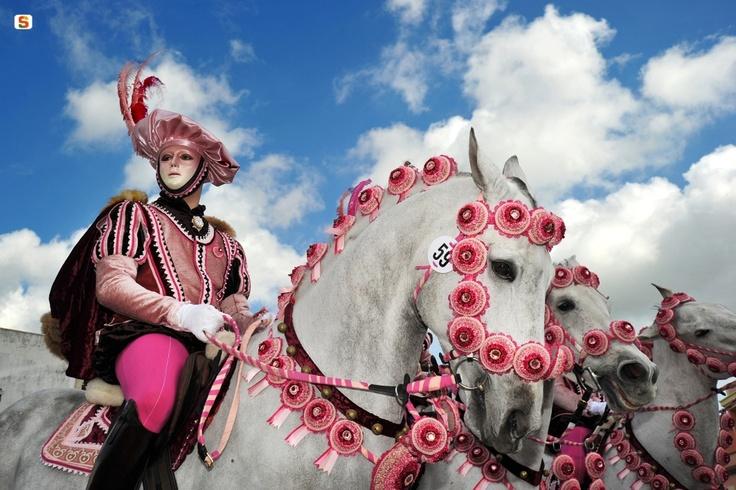 The pink Knight [Sa Sartiglia, Oristano]