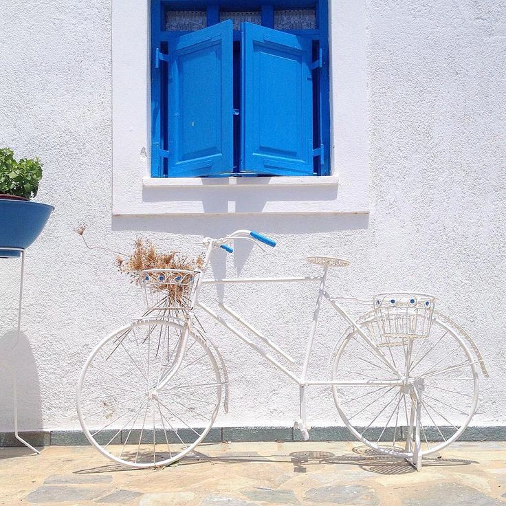 Schinoussa island (Σχοινούσα). Very peaceful island part of the Small Cyclades . Wonderful - Blue & White -Cycladic style.