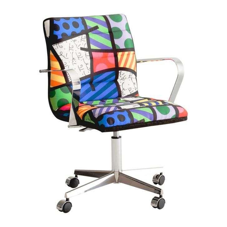 Compre Cadeira Britto Secretária e pague em até 12x sem juros. Na Mobly a sua compra é rápida e segura. Confira!