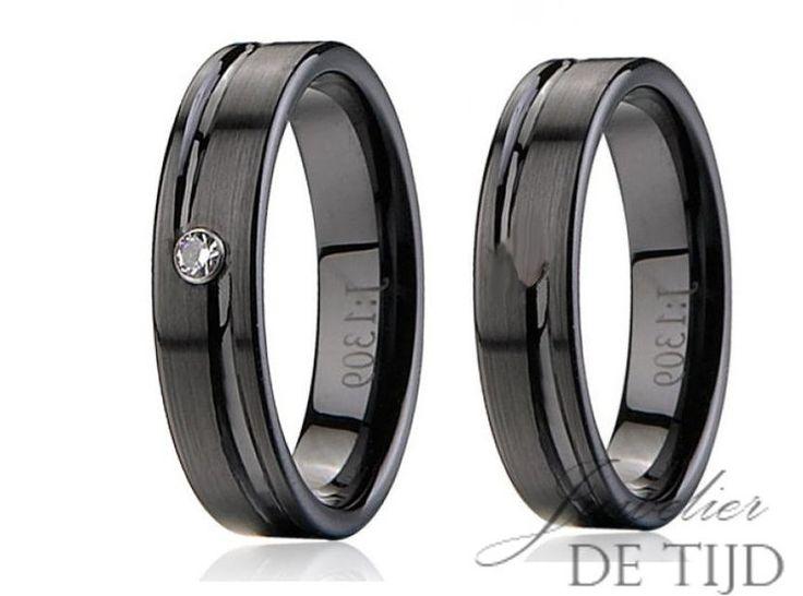 Wolfraam zwarte keramiek trouwringen 6mm breed - Juwelier de Tijd | Persoonlijk advies over trouwringen, sieraden en taxaties