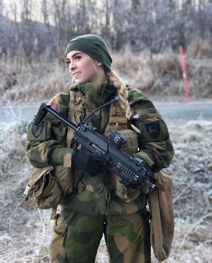 Norwegisches Soldatenmadchen Soldat Frauen In Der Armee Frauen Im Militar