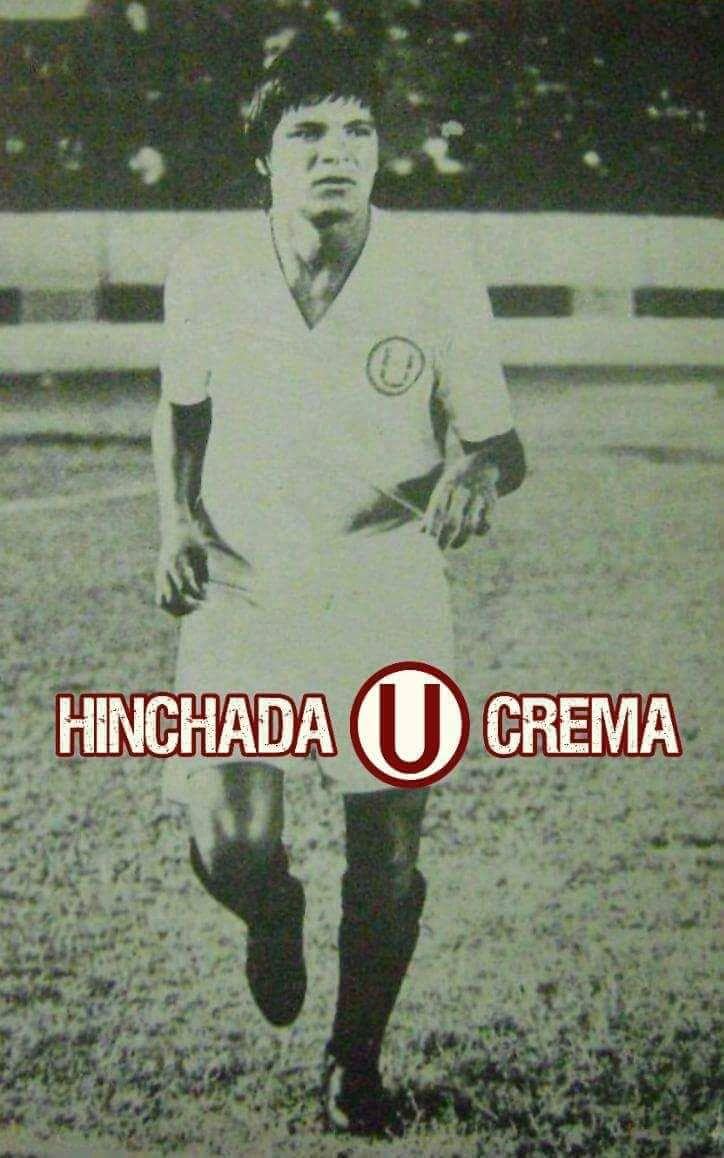 """en 1947 nace """"El Príncipe"""" La Fuente, uno de los mejores defensas de la historia de @Universitario y del fútbol peruano..."""