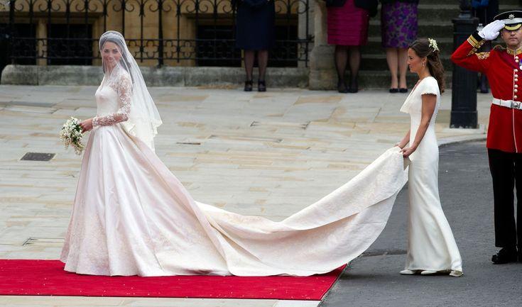11 emlékezetes fotó Katalin hercegnő és Vilmos herceg esküvőjéről http://www.nlcafe.hu/sztarok/20150429/katalin-hercegno-vilmos-herceg-eskuvo/