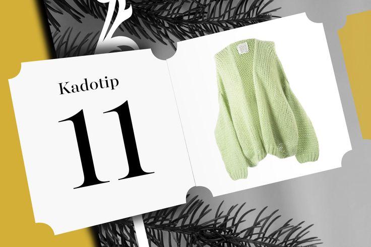 Let's keep it cosy... under the Christmas tree! Kadoptip 11 is deze prachtige cardigan van Lee and Me.