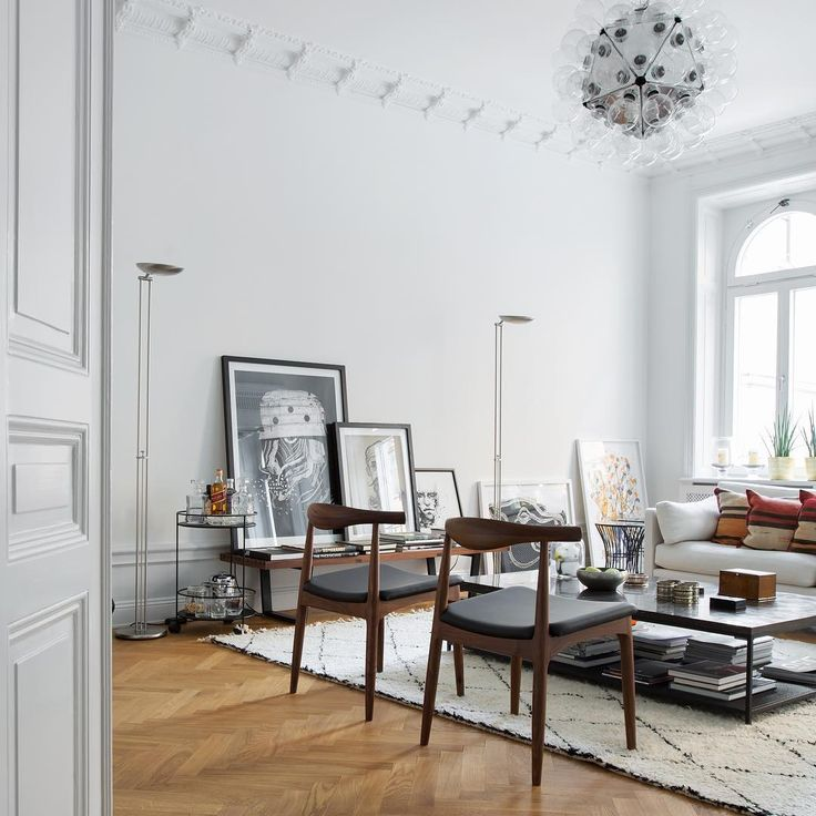 The most high-end residential real estate brokerage in Scandinavia founded by Fredrik Eklund.  Toppmäklarna Kanal5  Visit our website: