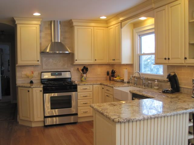 U shaped kitchen small u shaped kitchen kitchens forum for Kitchen cabinet layout design