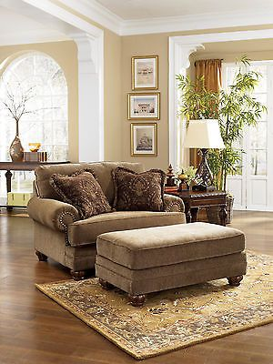 NEW ANTIQUE TRADITIONAL CHAIR AND A HALF OLD WORLD LIVING ROOM ARMCHAIR NAILHEAD