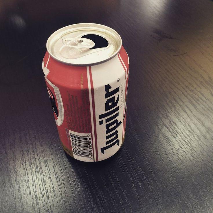 Fabricação de Latas para Cervejas Como Montar uma Fabricação de Latas de Aluminio Cervejas ou outras bebidas assim como sucos e refrigerantes podem ser envasadas em recipientes de lata de alumínio. As bebidas em lata tomaram gosto pelos consumidores pela praticidade e durabilidade em armazenamento. saiba mais: www.engetecno.com.br http://www.engetecno.com.br/port/proj.php?projeto=fabrica-para-producao-de-lata-de-cerveja-1000-kg-dia