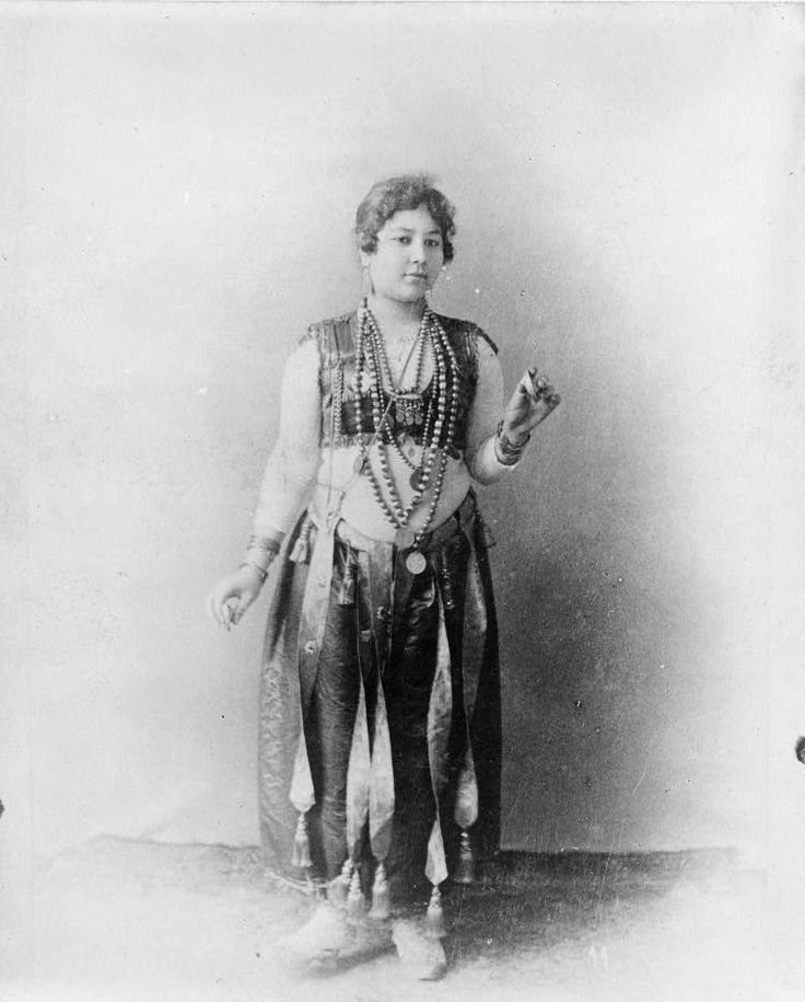 Egyptian dancing girl.jpg