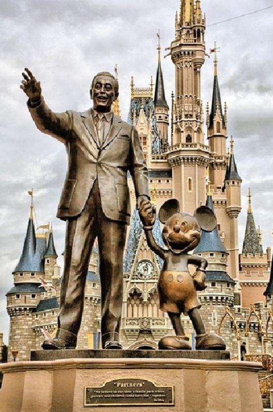 15 curiosas normas que los empleados de Disneylandia deben cumplir
