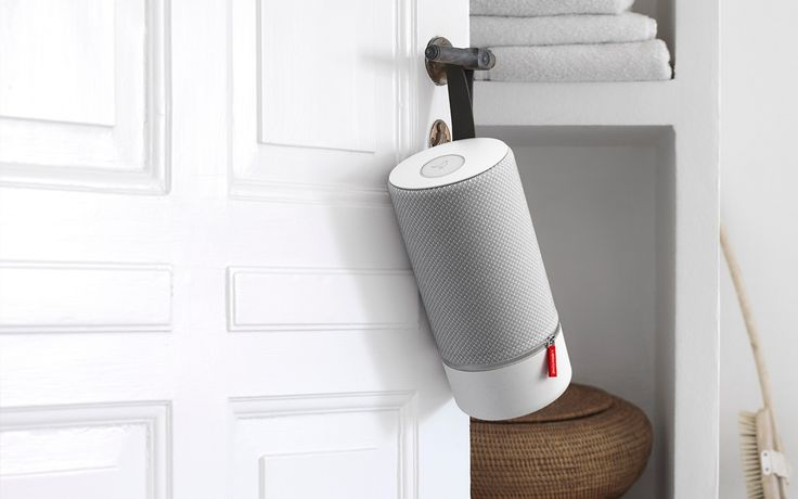 With a fresh and fashionable portable design, the Libratone ZIPP combines exceptional sound quality with multi-room connectivity.Free shipping – Free 30 days return