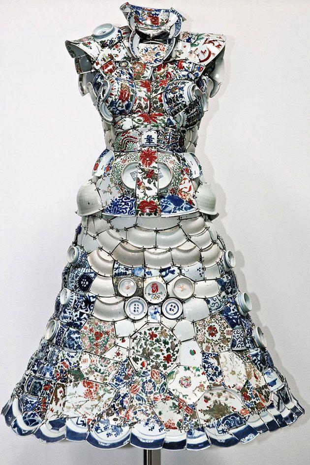 O vestido de porcelana de Li Xiaofeng inspira o verão da Têca
