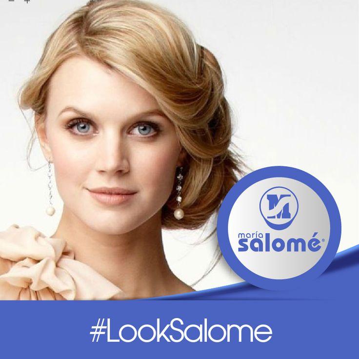 Luce elegante y discreta estas festividades con este #LookSalome recogido.