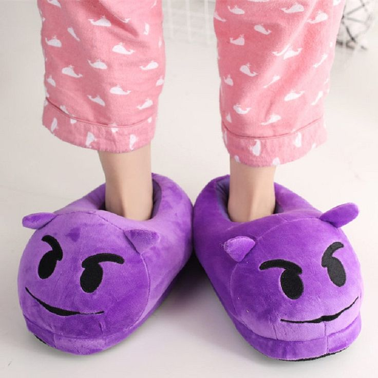This unisex slippers can be used as a plush toy to express yourself Material: High quality white polyester Propylene filled inside; Super soft plush outside Size (L x W x T): Approx. 28*14*16CM One si