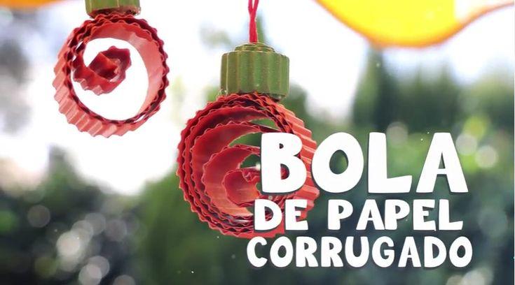 #BolaNavideña hecha de papel corrugado  más ideas fáciles para hacer #ManualidadesdeNavidad con niños.
