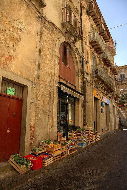 Nicosia, Fruttivendolo, Sicily, Italy