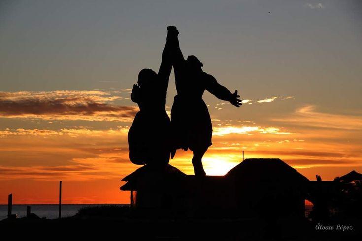 ¡¡Buenos dias #Málaga !! Amanecer en #Torremolinos. #FelizViernes  Temp.mín./máx. 4 /14 °C Intervalos de nubes y sol Viento. 15 km/h Humedad relativa: 59% Luna: Menguante Salida del sol: 8:12 horas Puesta del sol: 18:52  Álvaro López