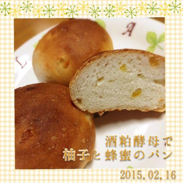 はちみつの粒ジャム×自家製ゆずピール。和風菓子パンです。 - 14件のもぐもぐ - 酒粕酵母でゆずとはちみつのパン by なかみ