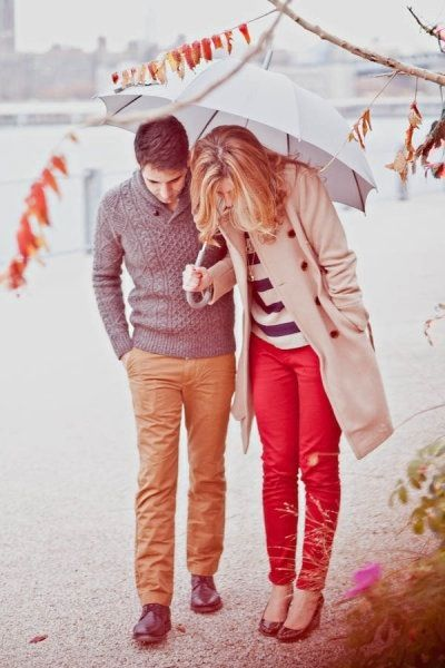 red pants: Galleries, Engagement Pictures, Red Jeans, Cute Couples, Holidays Quotes, Style Me Pretty, Engagement Outfits, Rainy Days, Red Pants