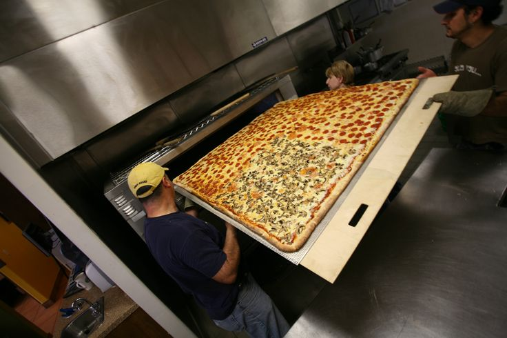 The World's Largest Deliverable Pizza!  Serves 50-70 people! Only from #BMPP  www.bigmamaspizza.com/#54  #Pizza #Foodie #PizzaParty #Delicious #Eat #Love #Repeat #Hungry #Nom #NomNom #Yummy #BeautifulPizza #PizzaLover #PizzaDelivery #Italian #Lunch #Dinner #PizzaGram #LA #California #YumYum #FoodComa #LosAngeles #Tasty #Delish #GoodEats