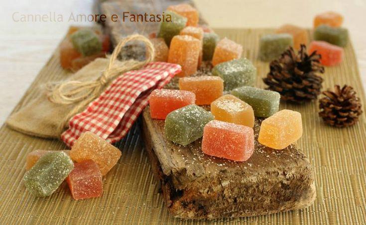 Le Caramelle Jelly fruits sono delle deliziosissime caramelle gelèe alla frutta molto naturali e veramente golose, una tira l'altra.perfette come regalo o per la befana