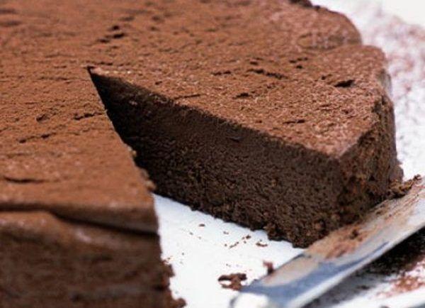 Nepečená čokoládová torta: Do cesta som nemusela dať žiadnu múku a navyše mi stačili len 4 ingrediencie - Báječná vareška