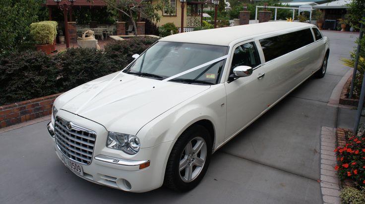 Limoso - Creamy White Super Stretch Chrysler 300C