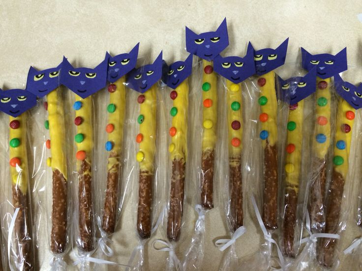 Pete the Cat Four Groovy Buttons party favor