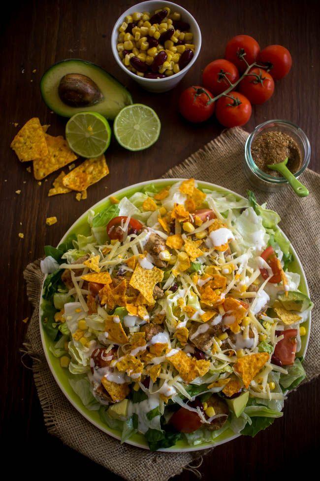 Μεξικάνικη σαλάτα με κοτόπουλο, αβοκάντο και tortilla chips - Myblissfood.grMyblissfood.gr