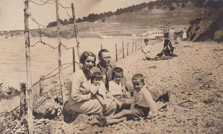 Heybeliada Plajı #birzamanlar #istanbul #oldpics #istanlook #life #hayat