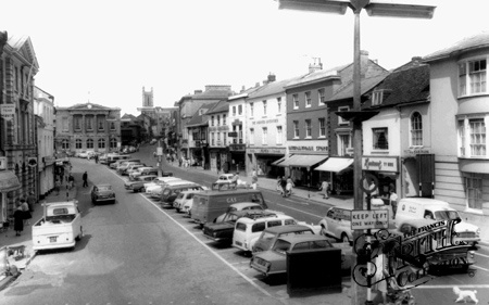 Old photo of High Street c1959, Andover