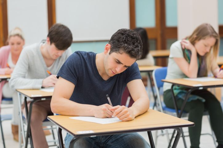 Below are our top tips for passing the CAE Cambridge Advanced English.