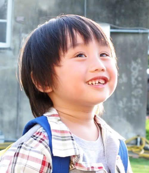 XIAO XIAO BIN. VERY CUTE AND VERY TALENTED CHILD!