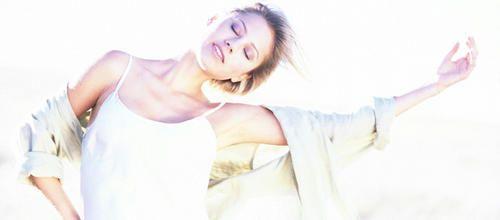 Pas de mouvements codés, de pas imposés, de technique à maîtriser. En danse-thérapie, seules comptent l'émotion et l'expression de soi. Pour réveiller son énergie, ou sa sensualité. Entretien avec France Schott-Billmann, danse-thérapeute