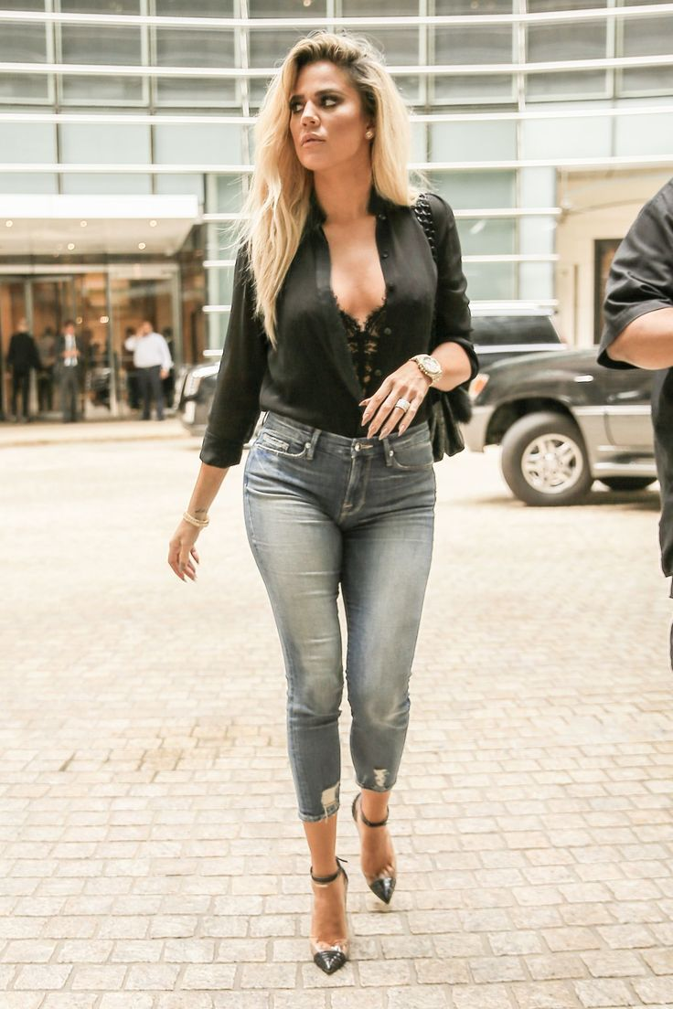 khloe-kardashian-in-tight-jeans-promoting-her-denim-line-new-york-9-20-2016-9.jpg (1280×1920)