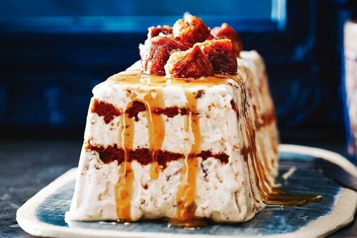 Spiced ice cream torte with caramel figs