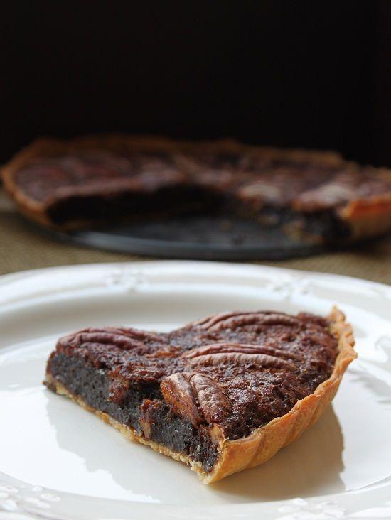 """A torta de pacanas """"pecan pie"""" é unha sobremesa feita principalmente de xarope de melaza e pacanas. É moi popular, xunto co pastel ..."""