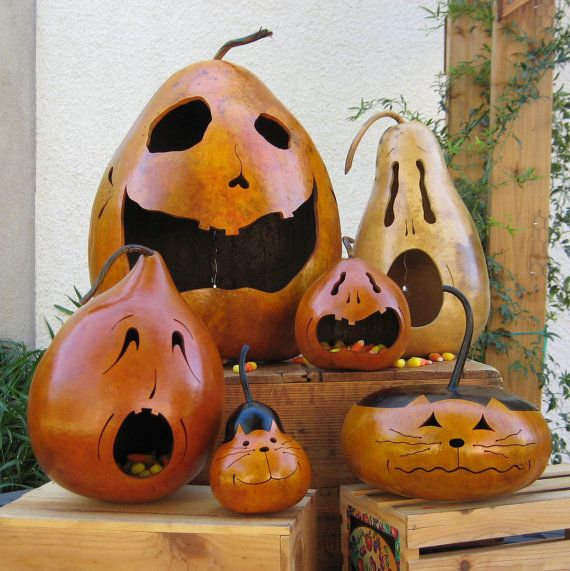 ****I AM SHIPPING WITHIN 24 HOURS OF RECEIPT OF PAYMENT.    If you live out of the United States I will be happy to ship to you! Just convo me and I will figure the shipping for your area.    This is a unique one of a kind Jack-O-Lantern. Many of the gourds I grow myself. Each gourd takes on a personality all its own and no two are exactly alike.    He is approximately 9 3/4 inches tall (not including the stem) and measures 23 1/4 inches around his widest point.    He is stained orange to…
