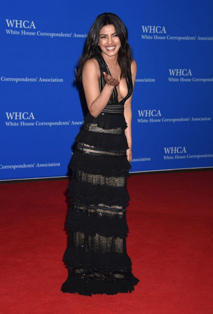 Priyanka Chopra Super Sexy Cleavage Show In a Black Low Neck Dress At The White House Correspondents' Dinner