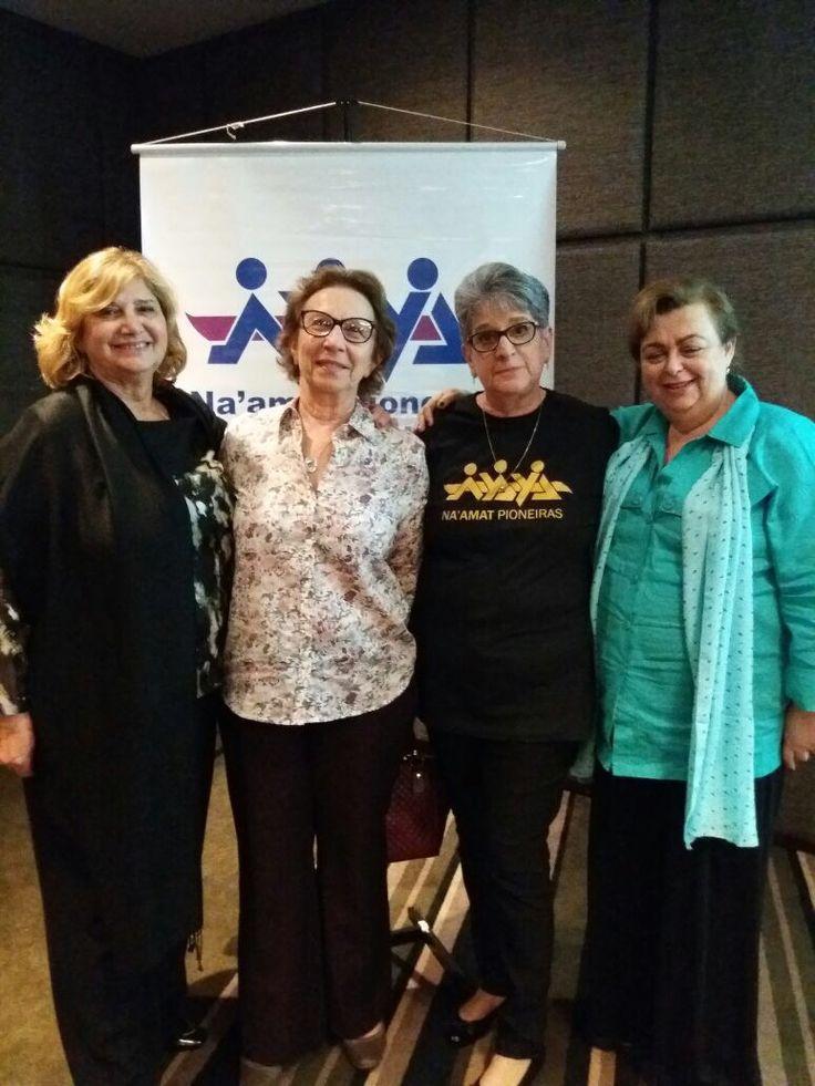 Líderes religiosas debateram a visão feminina sobre a paz em evento da Na'amat Pioneiras São Paulo.