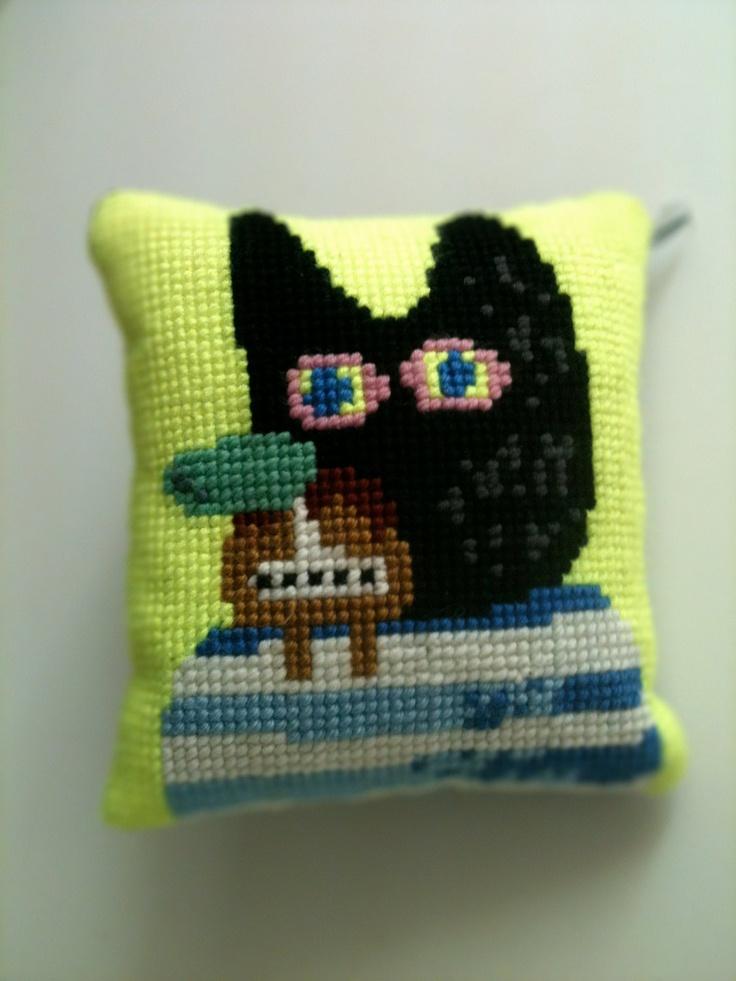 needlepoint pillows. €69,00, via Etsy.