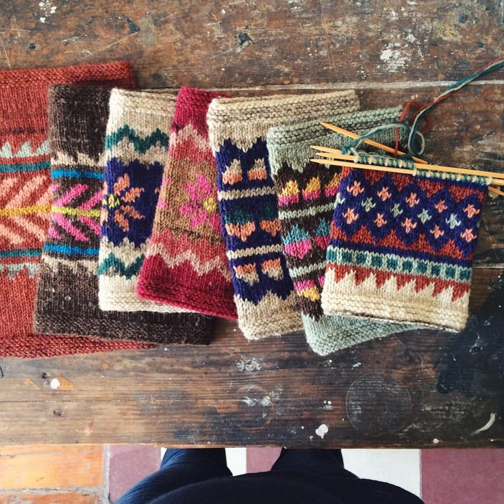 getting ready for my traditional stranded #portugueseknitting class at the…